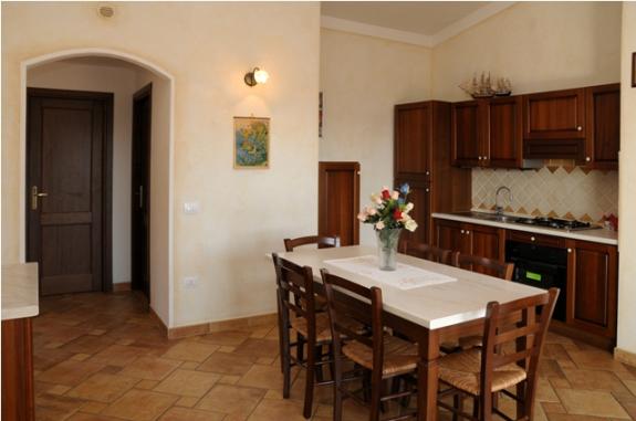Lägenheter i Cannigione med rymligt kök, gasspis och elektrisk ugn