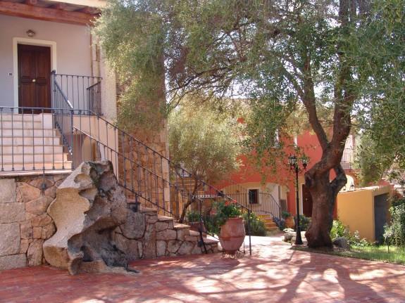 Lantligt hotell på Sardinien
