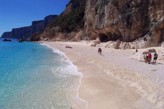 En av Cala Gonones vackra stränder, Cala Gabbiani